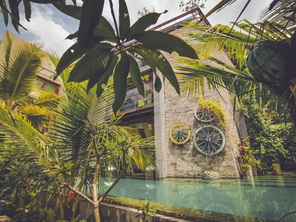 Lanka-Hideaways-Aathma-Colombo-Pool