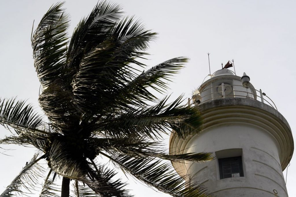 Lanka-Hideaways-Travel-Tips-Galle-Lighthouse-CREDIT-CHRIS-ROWLANDS