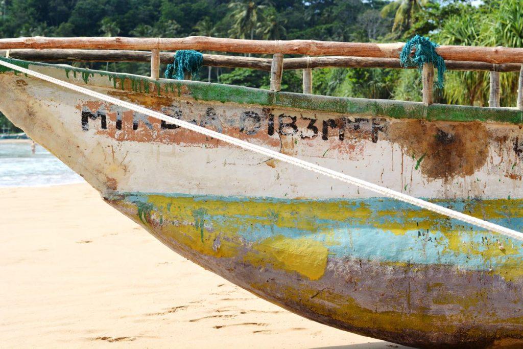 Lanka-Hideaways-Travel-Tips-Tallalla-boat-CREDIT-CHRIS-ROWLANDS