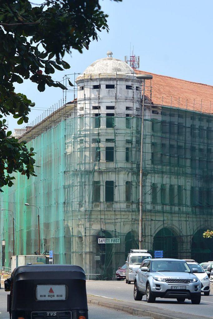 Lanka-Hideaways-Travel-Tips-Traffic-CREDIT-CHRIS-ROWLANDS