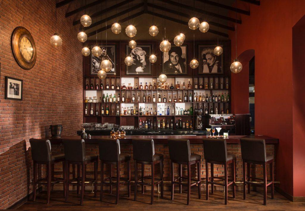 Lanka-Hideaways-Uga-Residence-Drinking